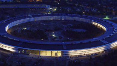 Photo of Flug über den Apple Park in der Abenddämmerung