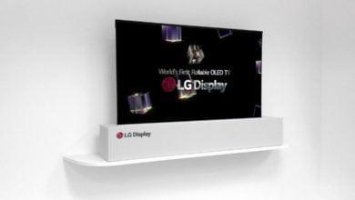 """Photo of LG zeigt zusammenrollbaren 65"""" OLED-TV auf der CES 2018"""