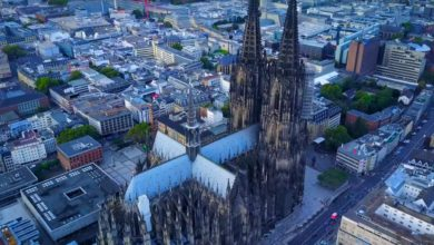 Bild von Kölner Dom aus der Sicht einer Drohne